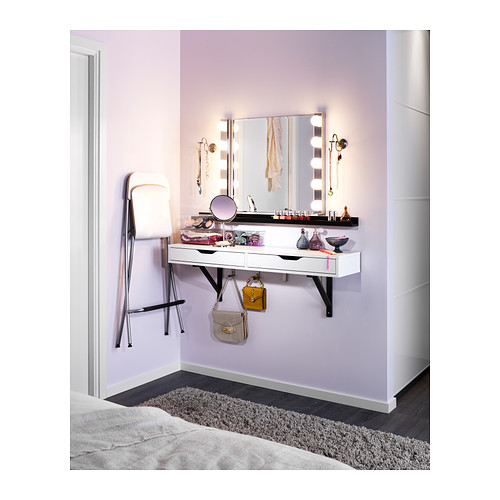 make your own hollywood mirror very cheap rachelmkpartist. Black Bedroom Furniture Sets. Home Design Ideas